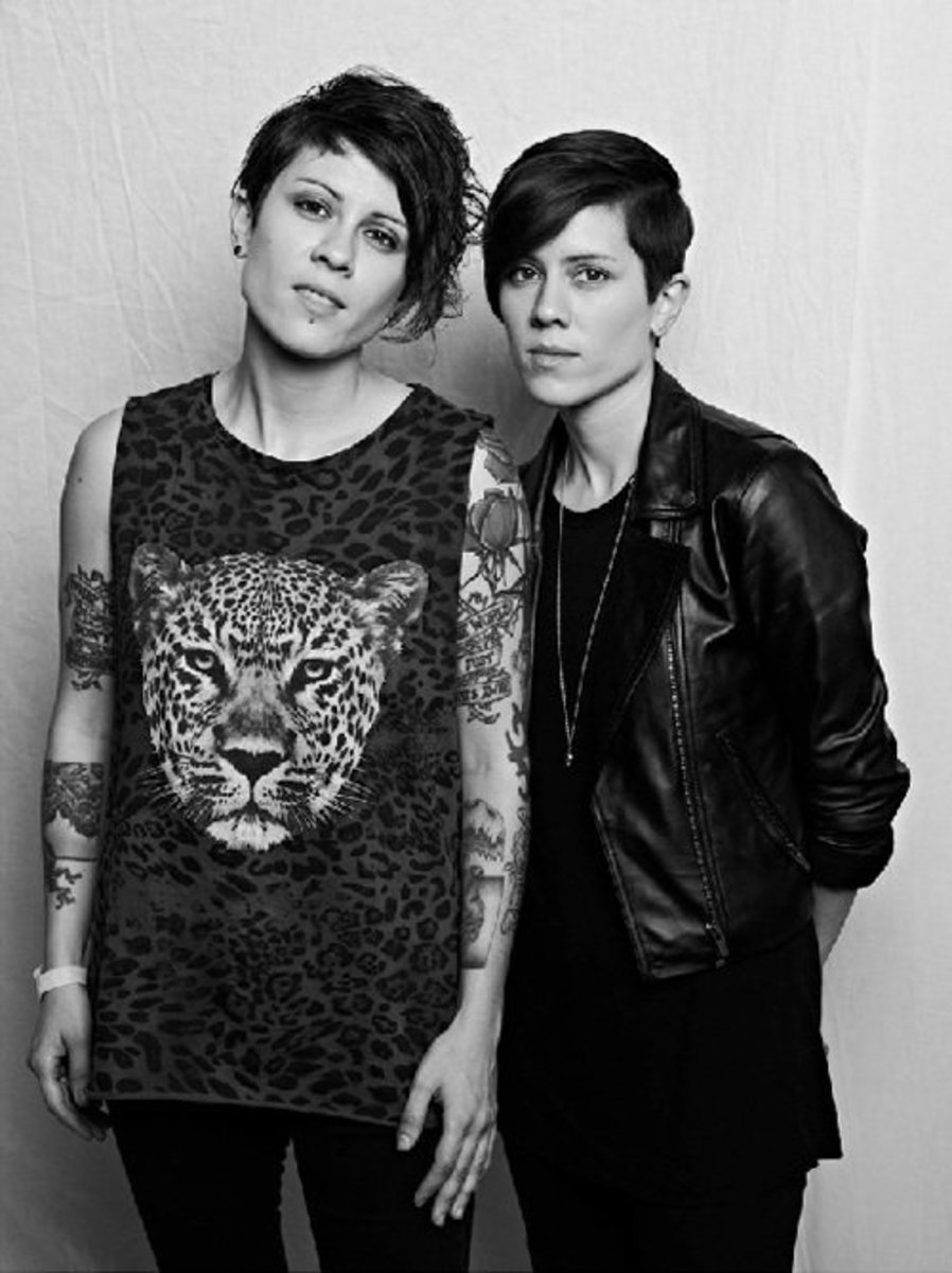 Tegan and Sara: the gayest icons. The gayest.