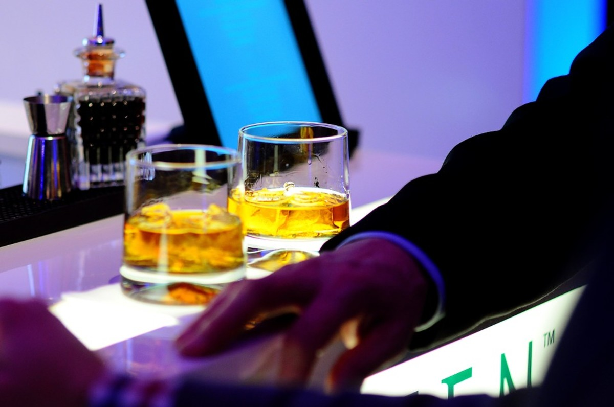 Over-priced beverages in crowded bars that smell like cigarettes: one of the privileges of the single life.