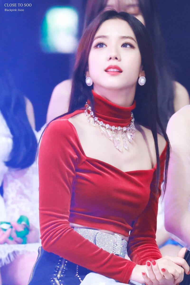 Jisoo (Black Pink)   Top 10 Most Beautiful K-Pop Female Idols