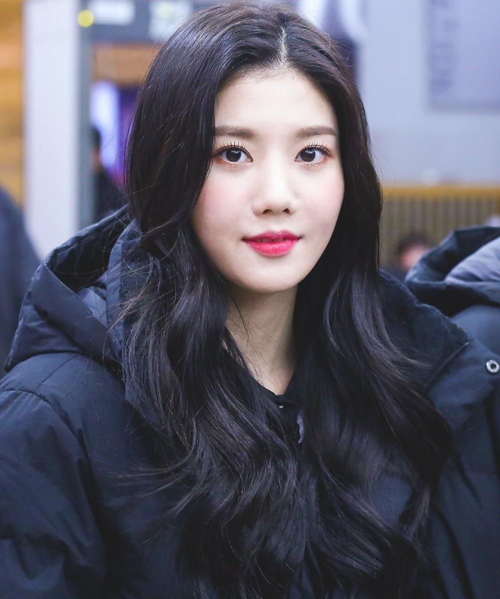 Eunbi (IZONE) | Top 10 Most Beautiful K-Pop Female Idols