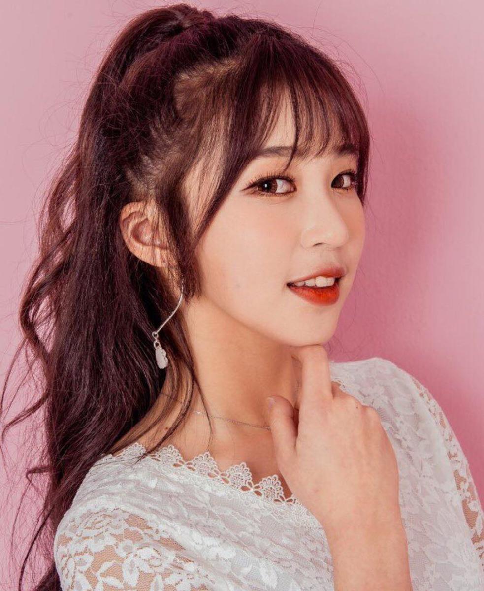 Dayul (DAONBIN, Rockit Girl)   Top 10 Most Beautiful K-Pop Female Idols