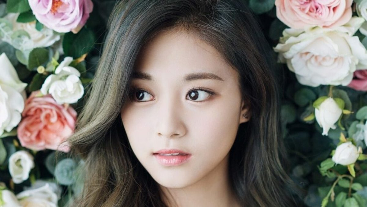 Tzuyu (TWICE) | Top 10 Most Beautiful K-Pop Female Idols