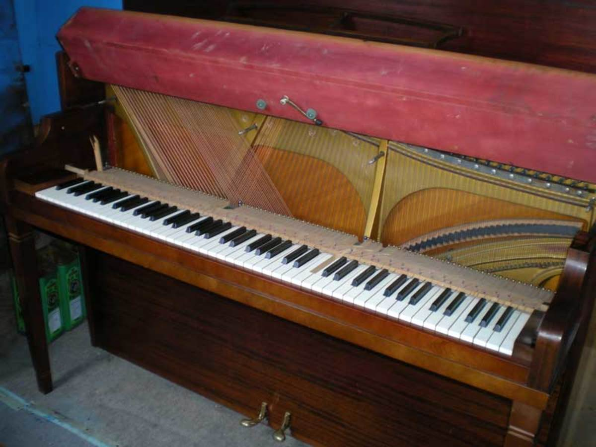 Now you have full access to the upper part of the piano.