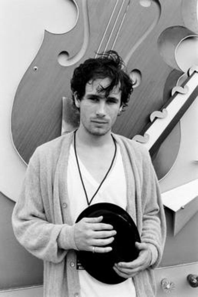 Jeff Buckley photographed in August 27, 1994 by Roy Tee.