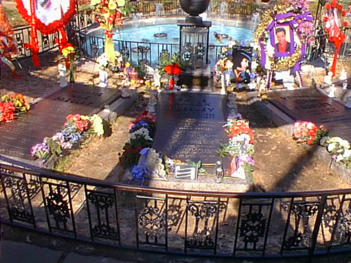Elvis Aaron Presley's Final Resting Place on his property, RIP King