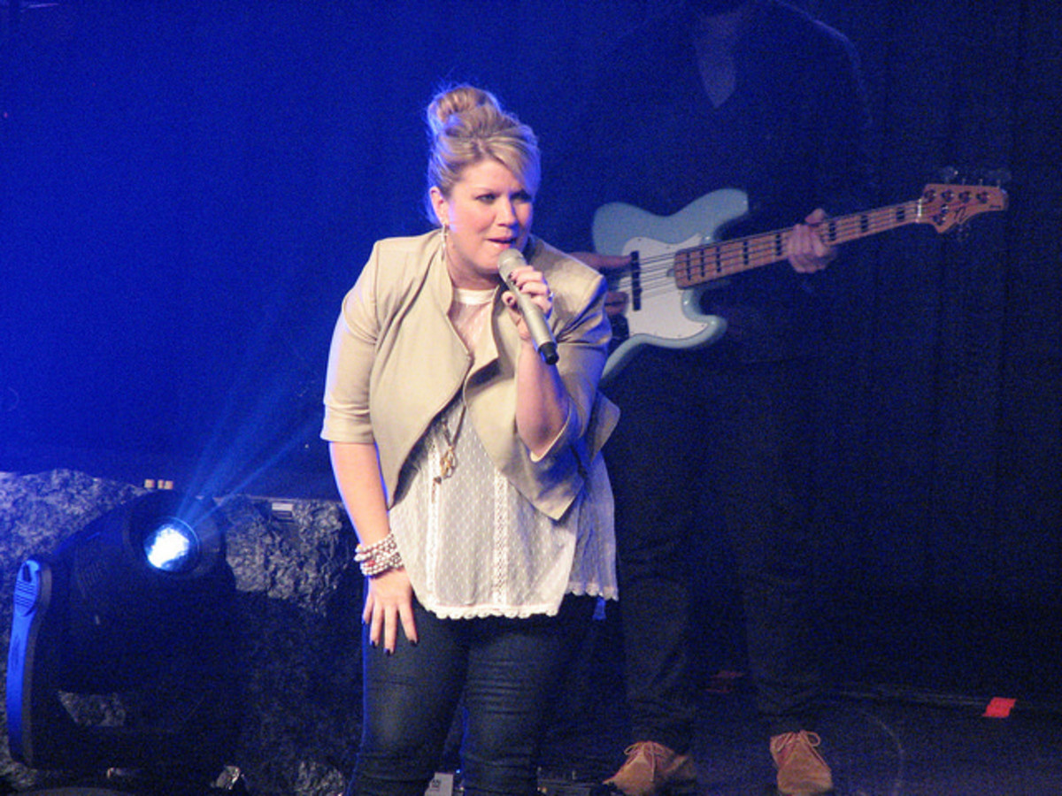 Natlie Grant performs on tour in 2014.