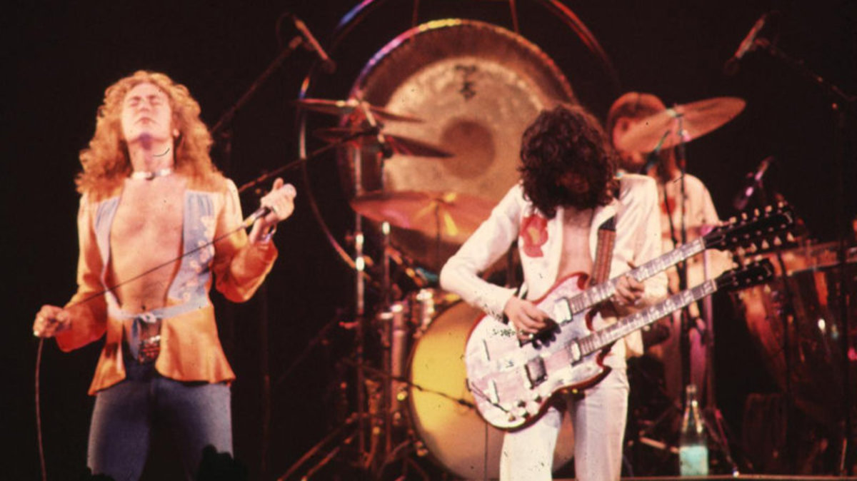 "Led Zeppelin performs ""Stairway to Heaven"""