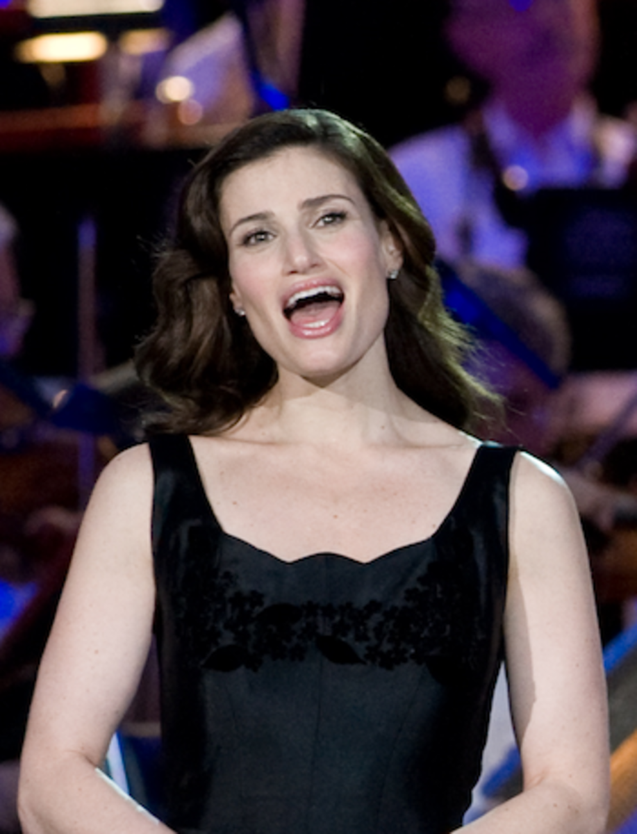 """Idina Menzel singing """"God Bless America"""" at the conclusion of the 2008 National Memorial Day Concert on the lawn of the U.S. Capitol, Washington D.C."""