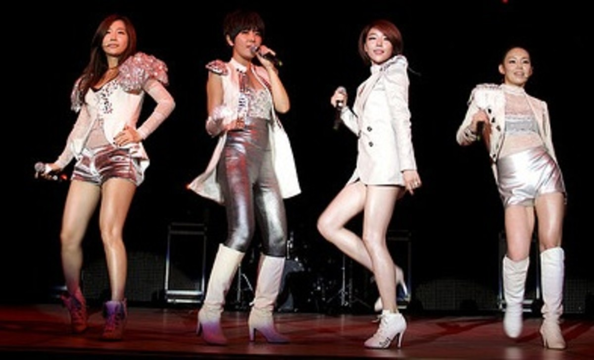 The members of Brown Eyed Girls.