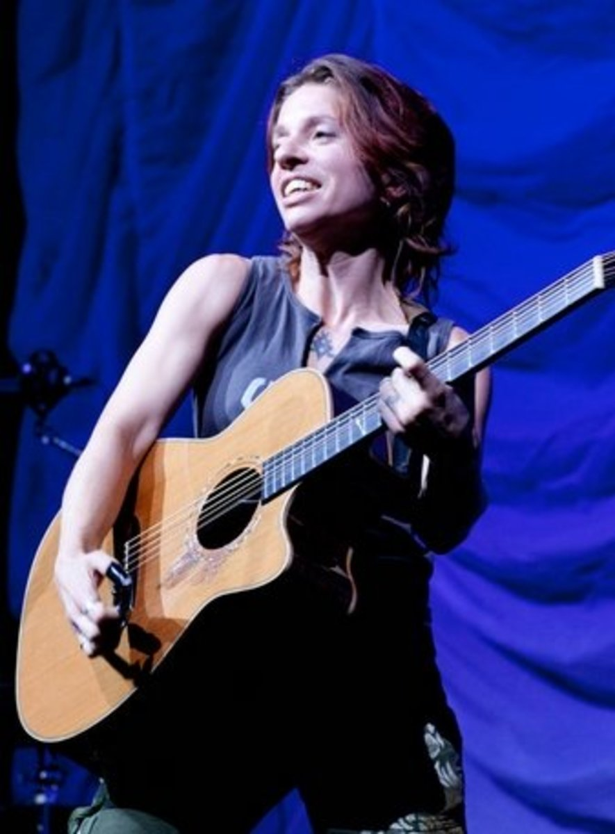 Ani Difranco live  (photo by Jill McCrackin)
