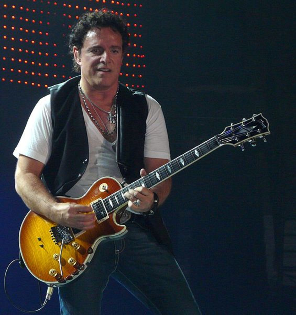 Journey still rocks, and Neal Schon still pulls incredible sounds from his Les Paul guitars.
