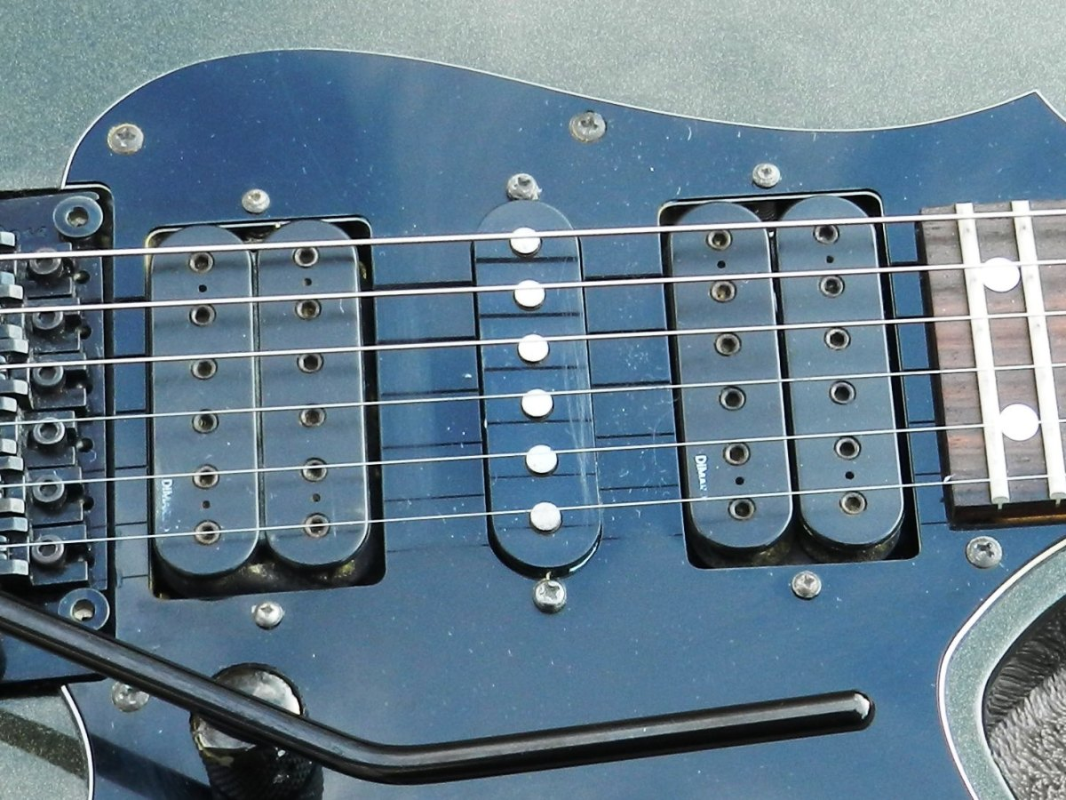 The DiMarzio humbuckers sound outstanding.
