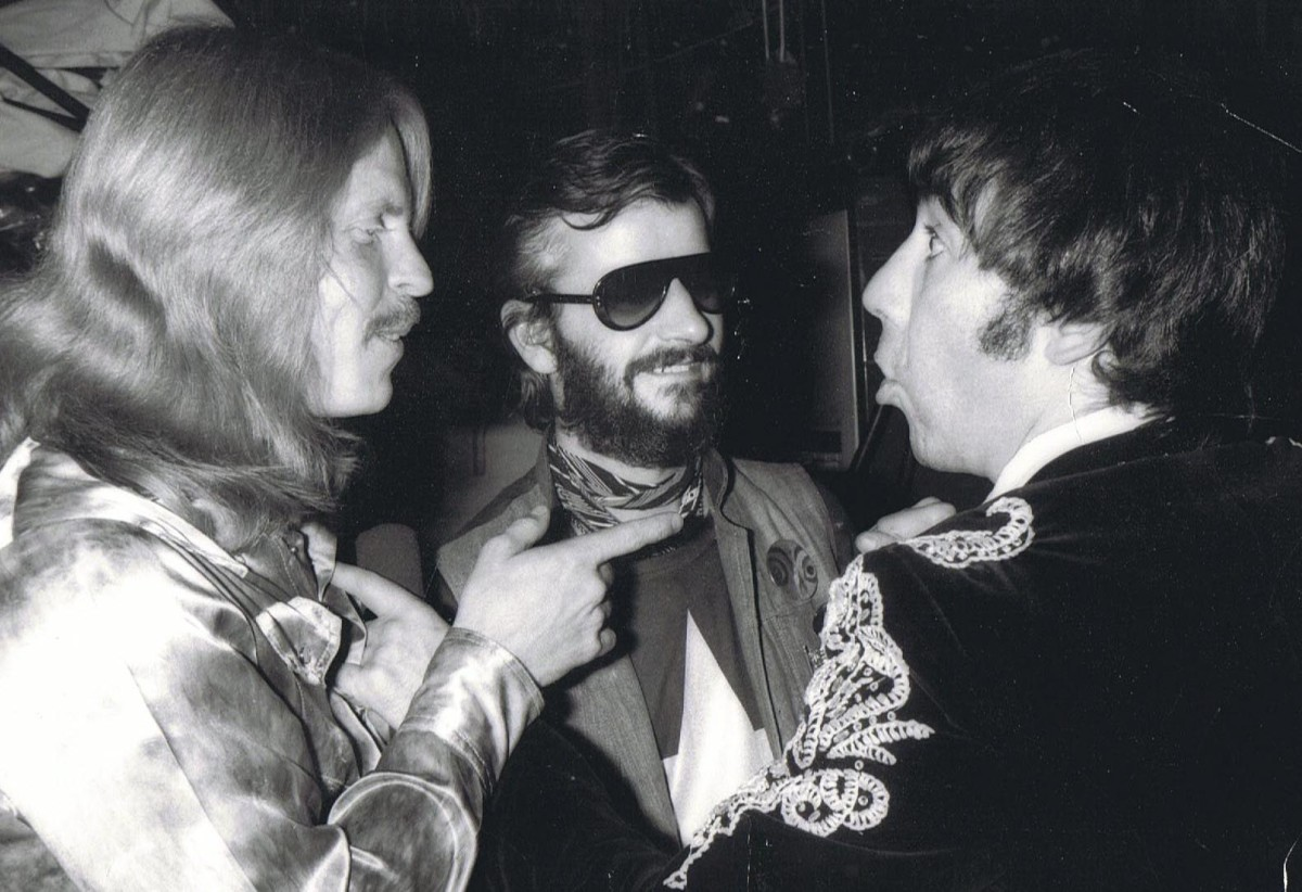 Ringo Starr (center) Keith Moon (right)