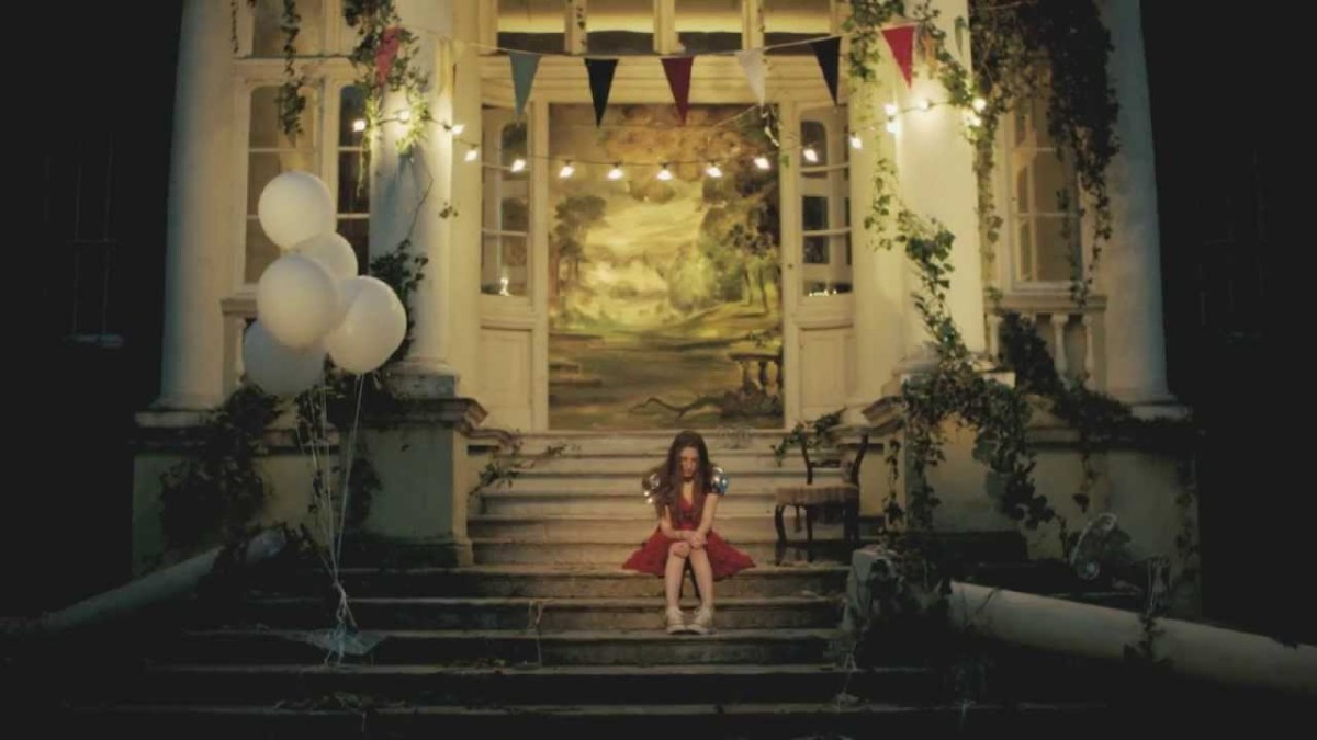 A scene from the music video of Wings