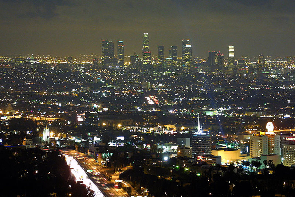 Downtown Los Angeles as seen from the Hollywood Hills at night, 2005