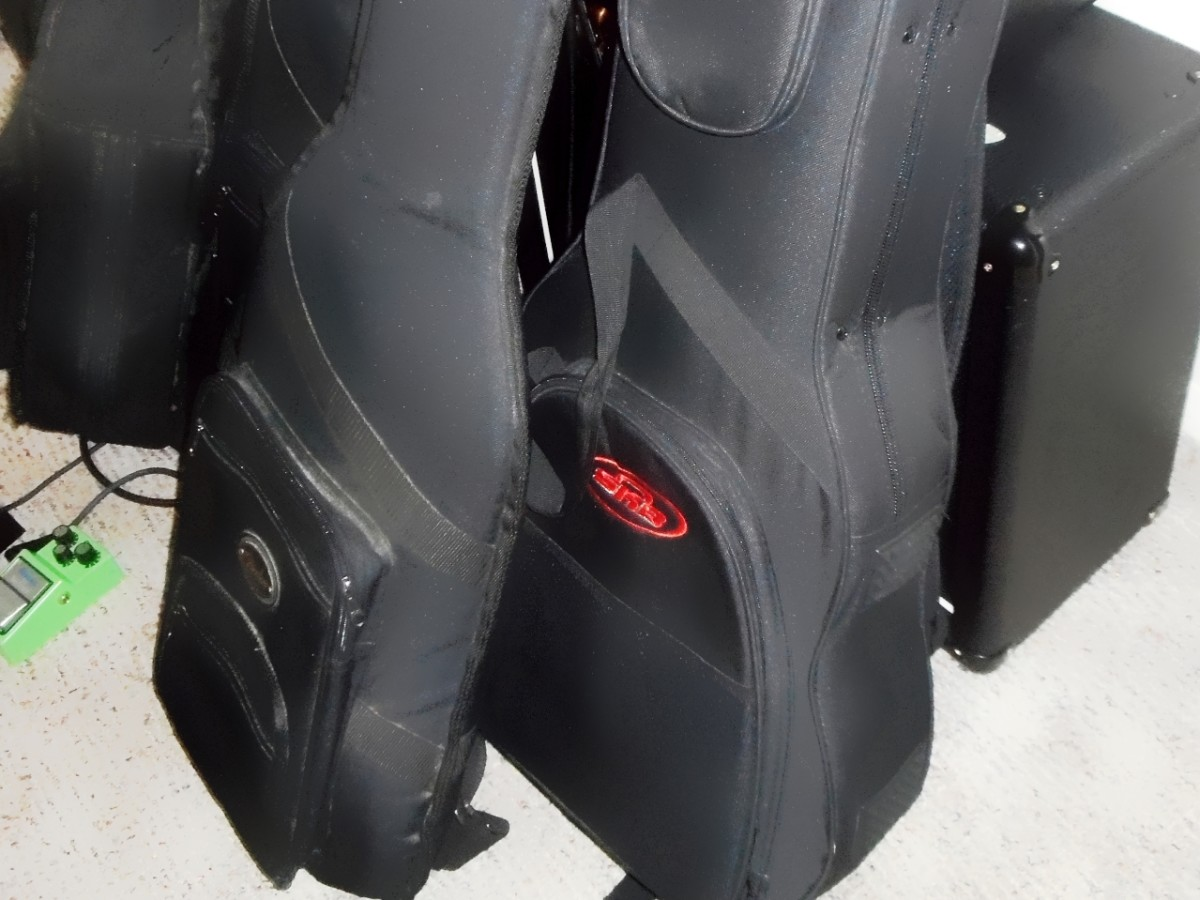 Gig bags and soft cases offer light-weight protection for your guitar.