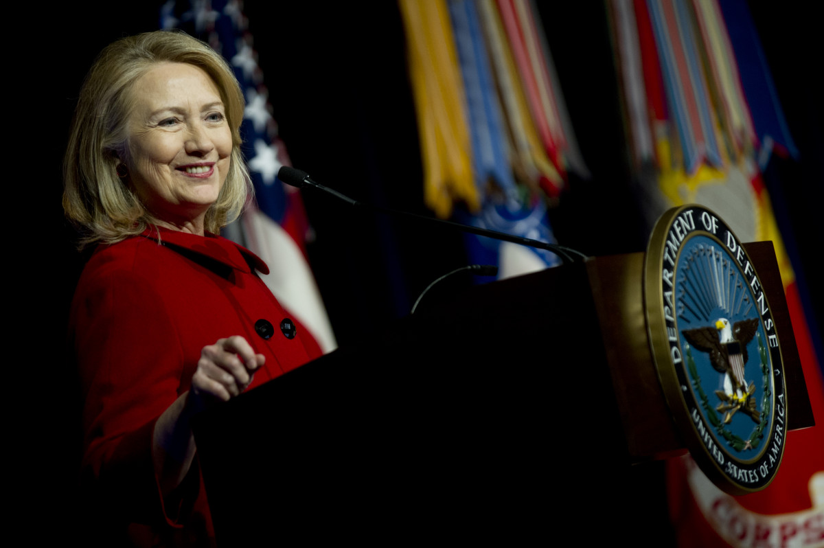 No matter what you may think of Hillary Clinton's politics, you have to admit that that older woman can rock a pantsuit and power colors.  Go, you powerful lady!