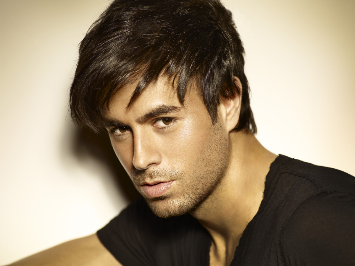 Enrique Iglesias is a world-renowned artist that makes amazing music that is as much fun to dance to as it is to listen!