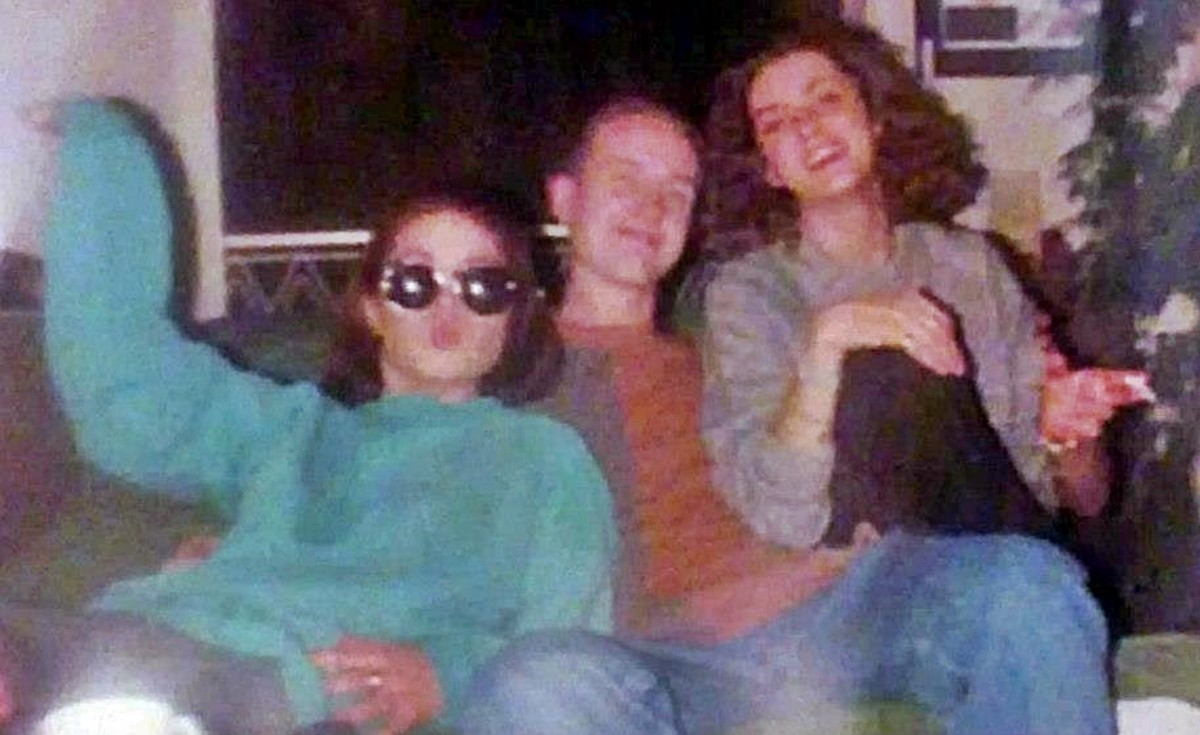 Carol, Pete and Mandie (January 1992).