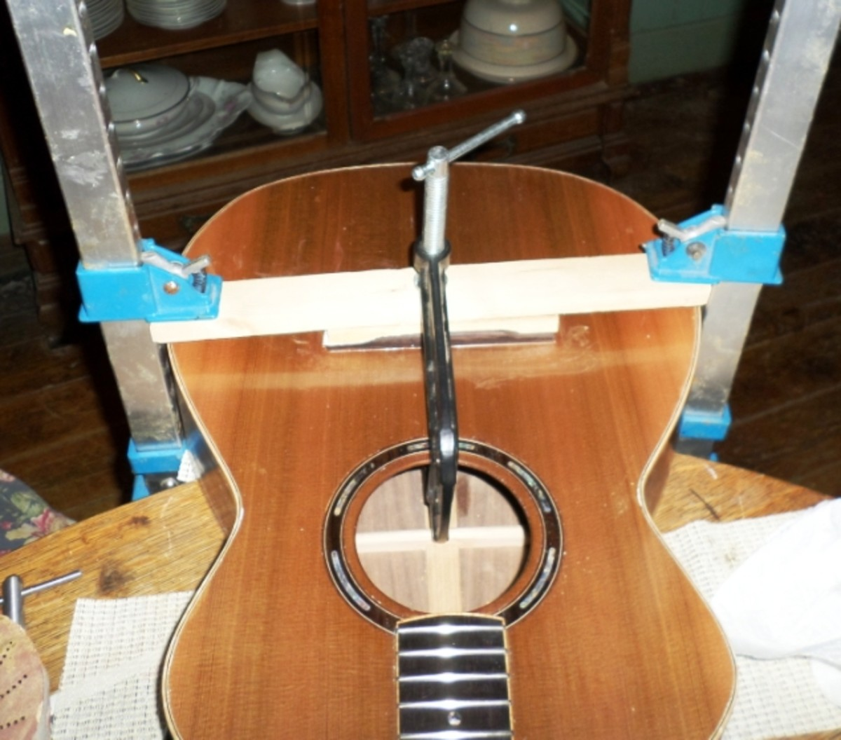 how-to-build-an-acoustic-guitar