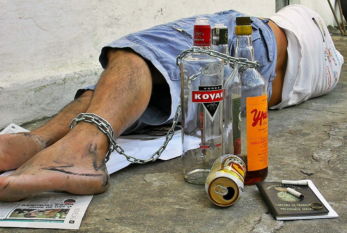 Heavy drinking involves the consumption of 8 or more drinks per week for women or 15 or more drinks per week for men.