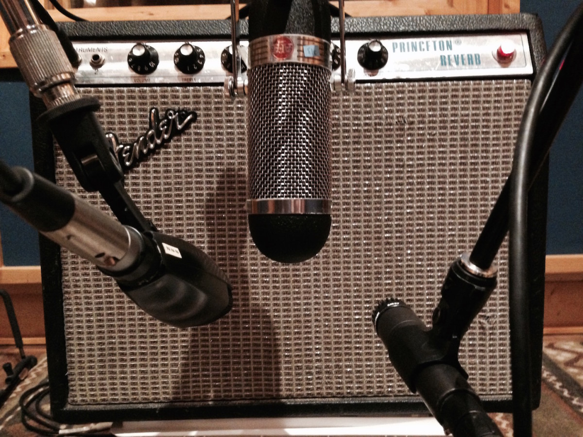 There are many options when it comes to mic' a guitar amp or cabinet.