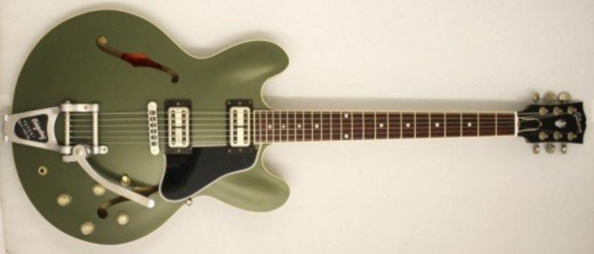 Gibson Chris Cornell ES-335 - Olive drab with Bigsby vibrato