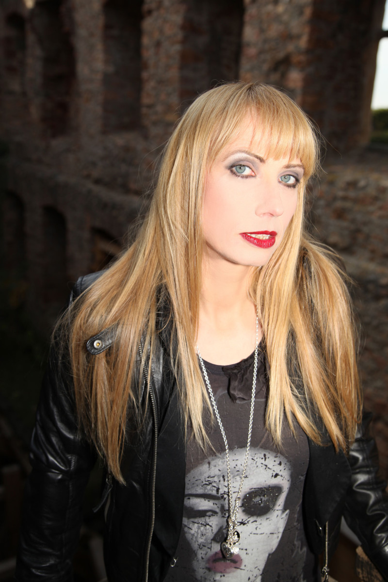 why-sabina-classen-of-the-band-holy-moses-is-great-for-thrash-metal-and-people-should-love-her