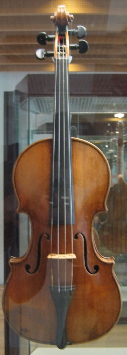 This violin is housed in the Musikinstrumentenmuseum in Berlin