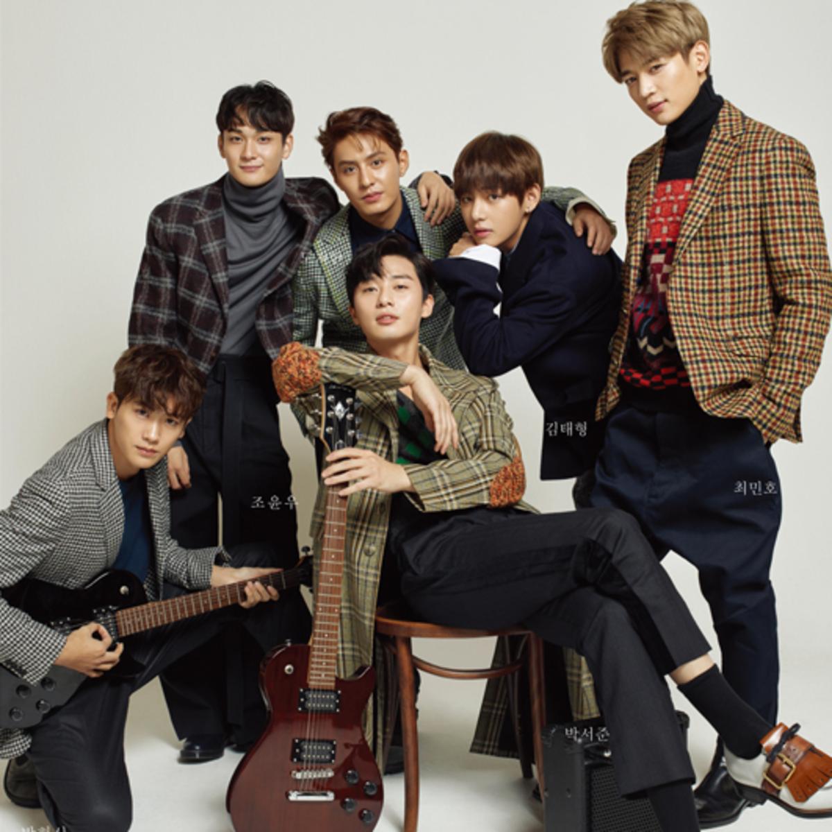 V BTS bersama Hwarang Brothers
