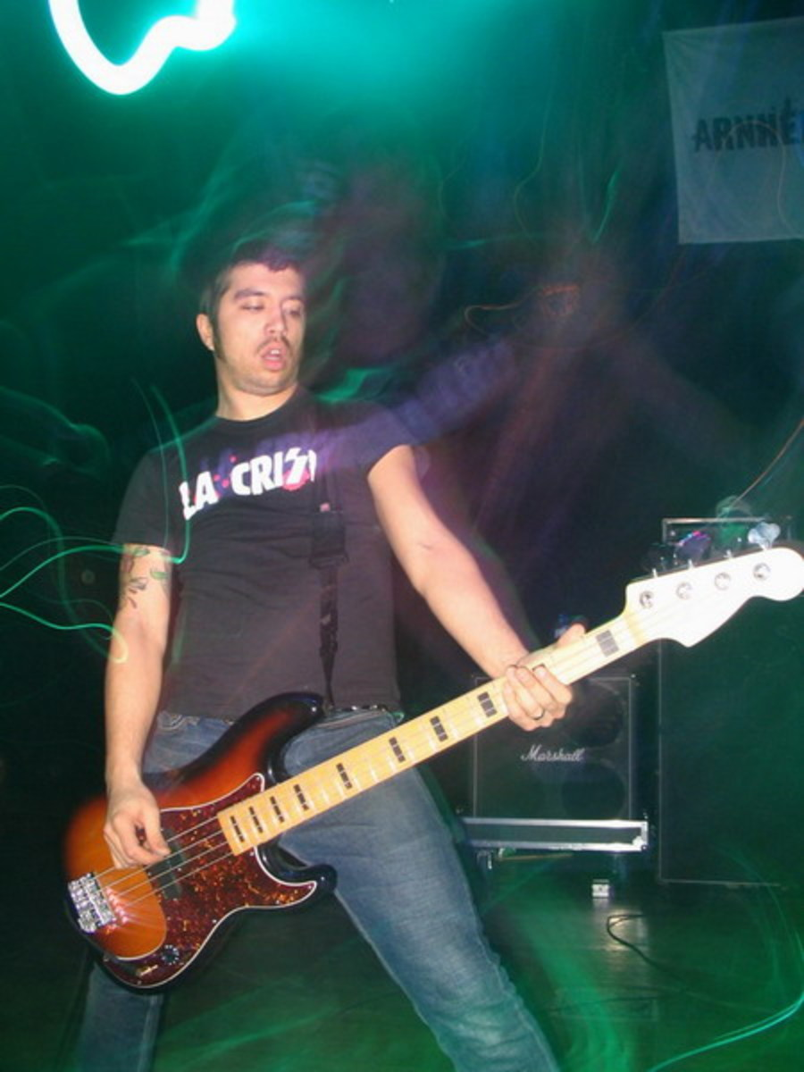 Nate Newton from Old Man Gloom onstage with Converge 2005