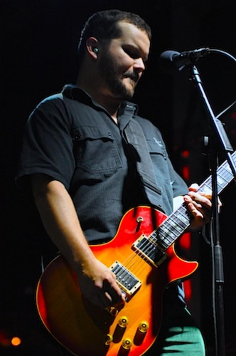 Steve Brooks of Floor live.