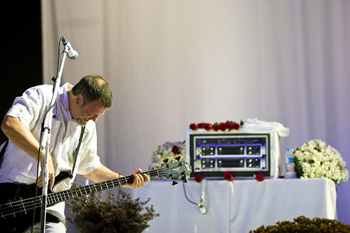 Billy with Faith No More in 2011.