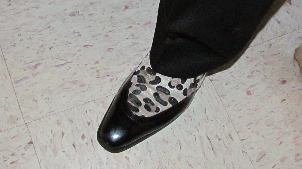 A photo of the shoe worn by Promoter Rick Coley for this special event.