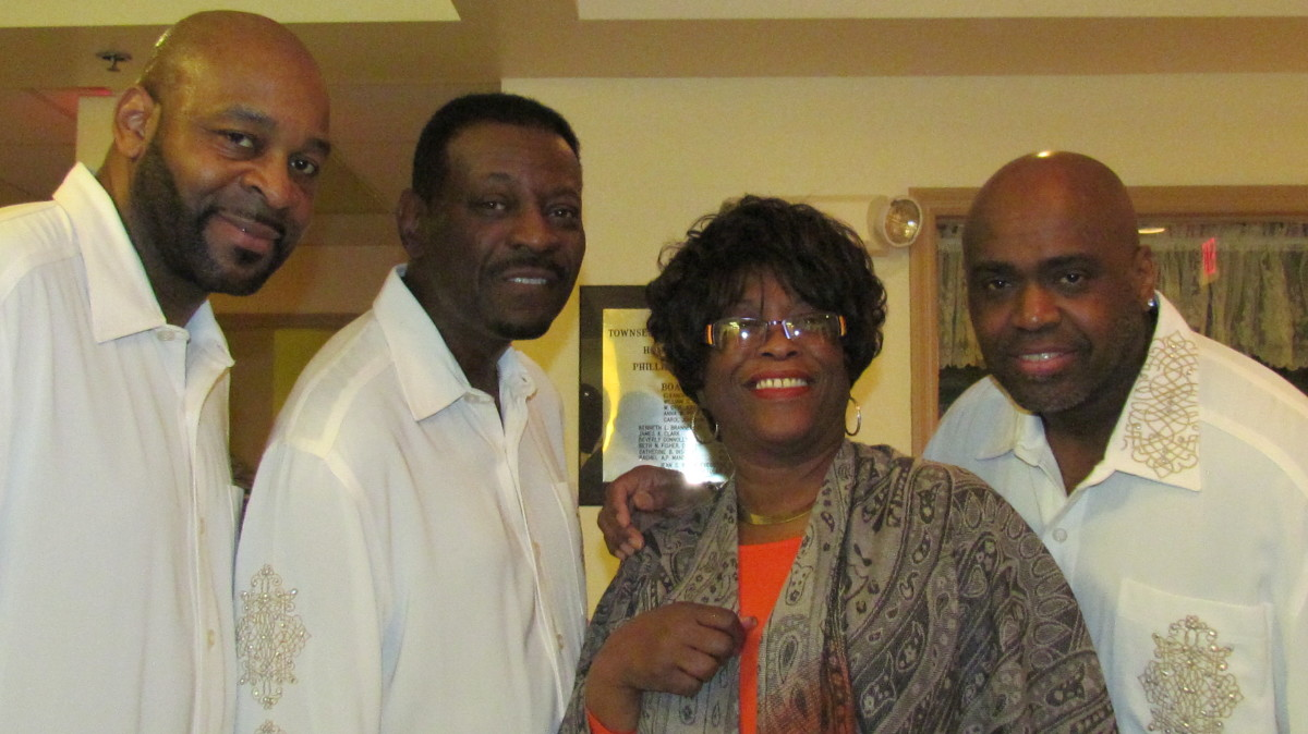 Jackie Johns, got a photo with the Delfonics after their powerful performance.