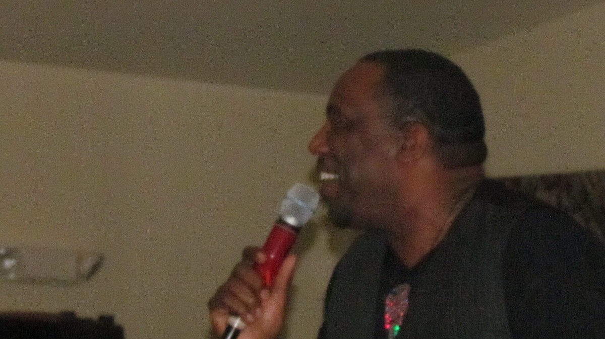 Kenny Barnes, performed major hits by the late Luther Vandross.