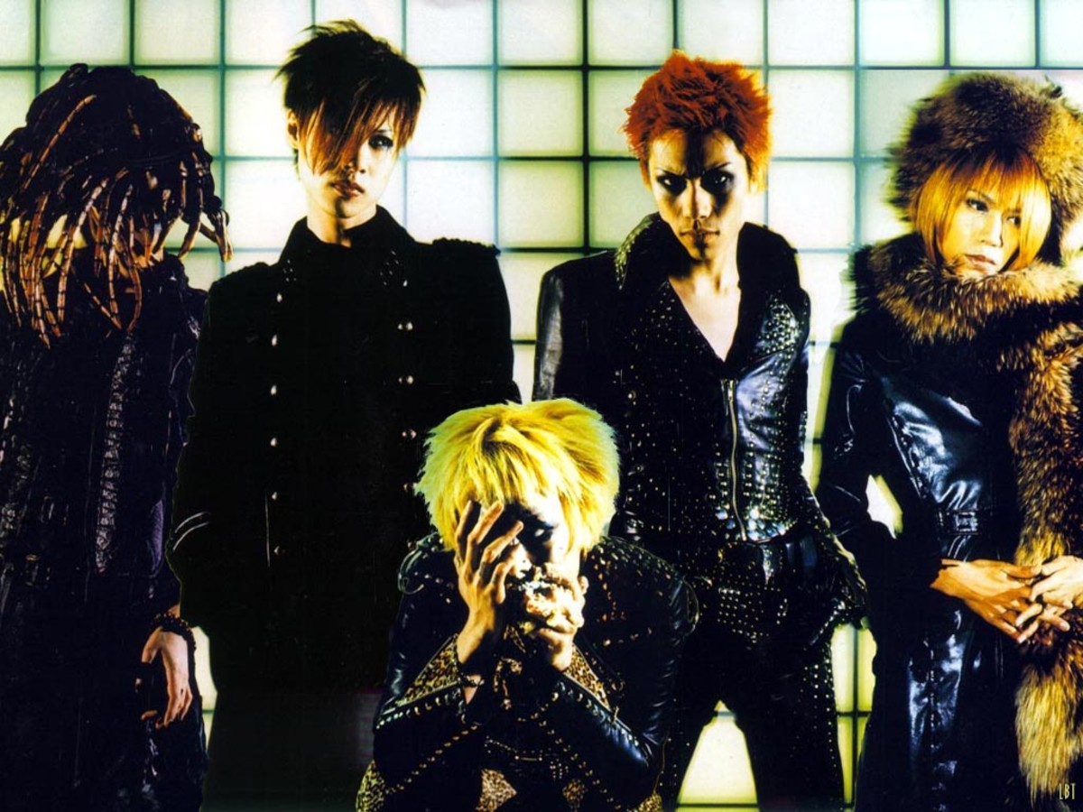 Dir En Grey, complete with head devouring alien