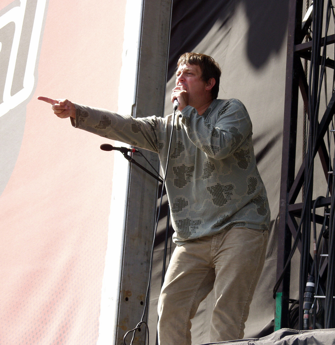 Tom Hingley of Inspiral Carpets performing at V Fest in 2003.
