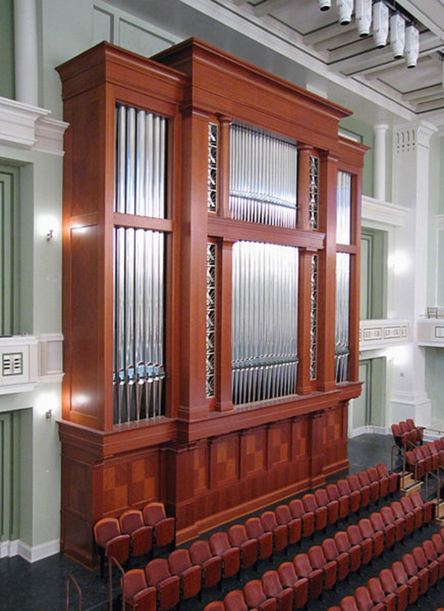 The custom-built concert organ. The pipes behind the stage are those that are visable. There are others throughout the hall.