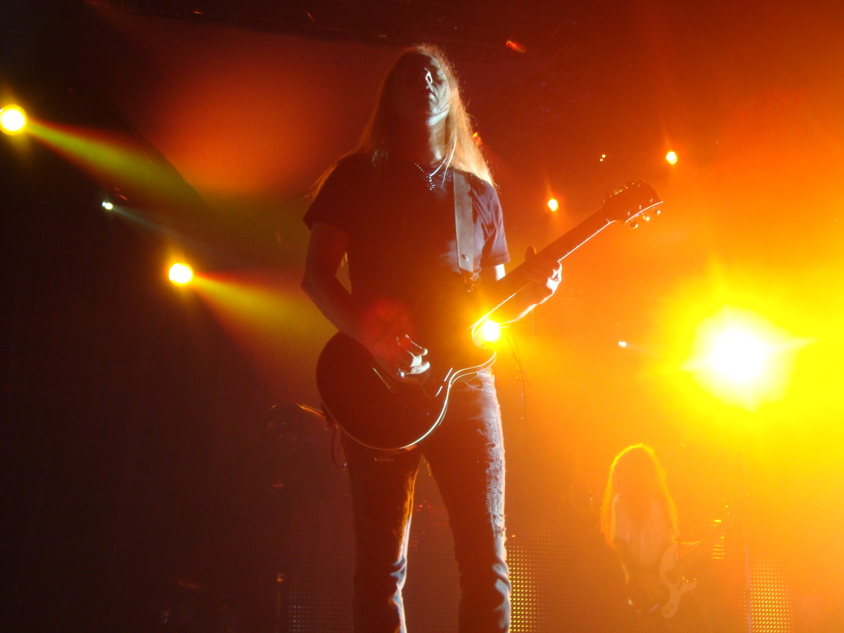 Jerry Cantrell onstage 2010