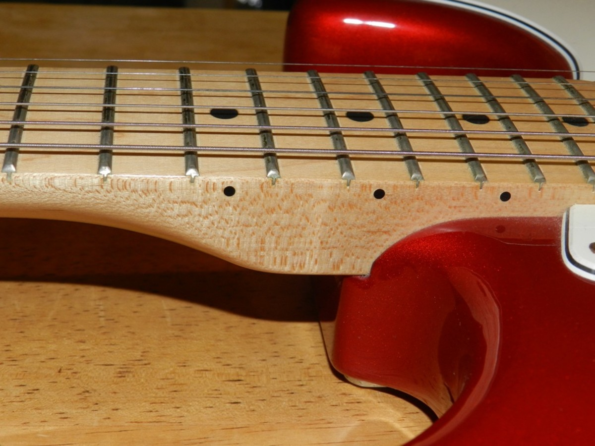 The Fender one-piece, bolt-on maple neck.