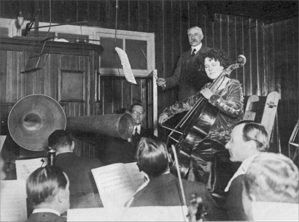 10-great-female-cellist