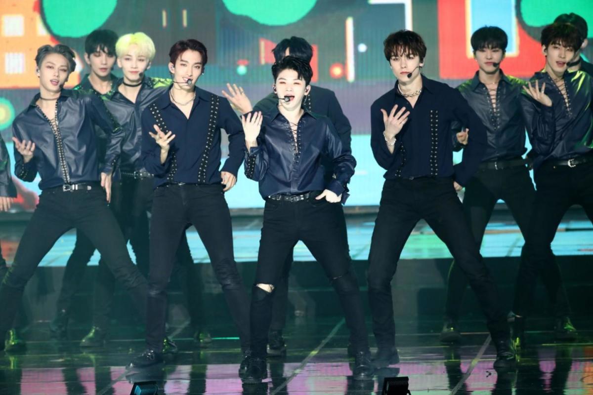 SEVENTEEN | Top 10 Most Popular K-Pop Boy Groups