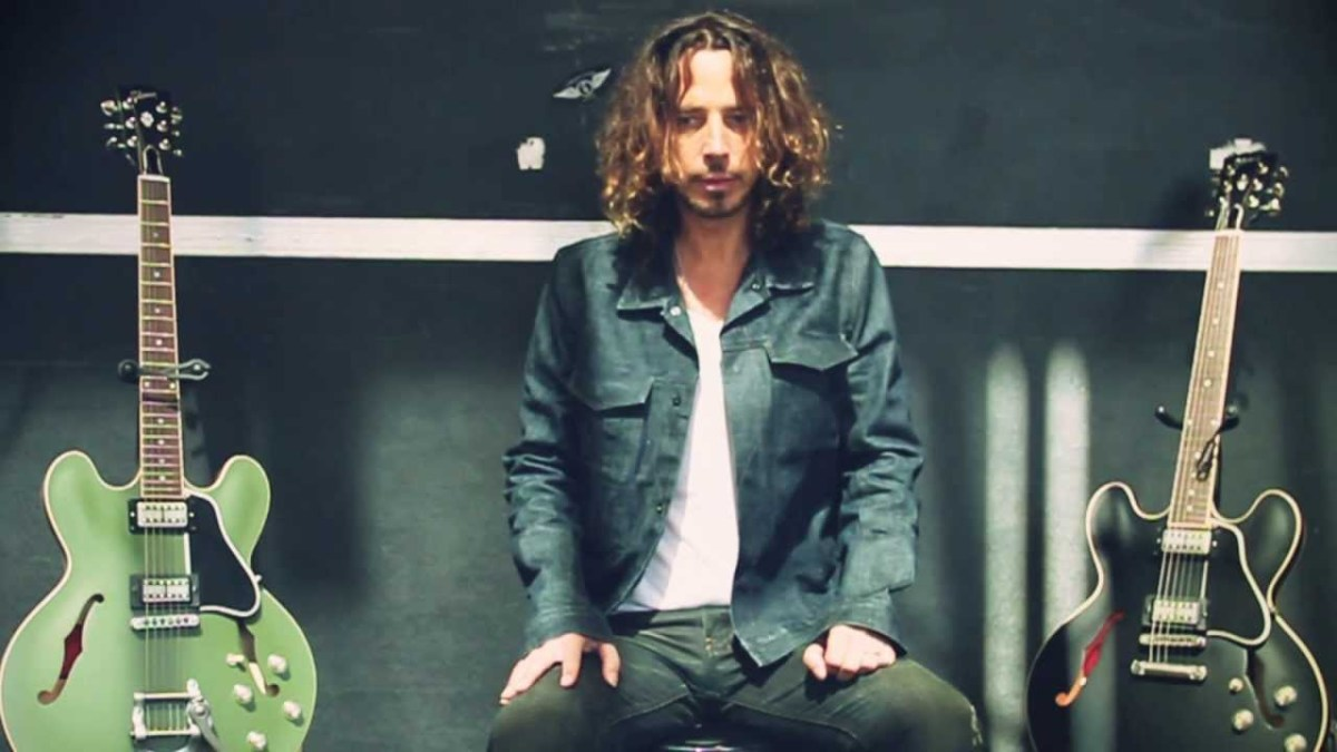 Chris Cornell with one of each of his two Gibson ES-335 guitars.