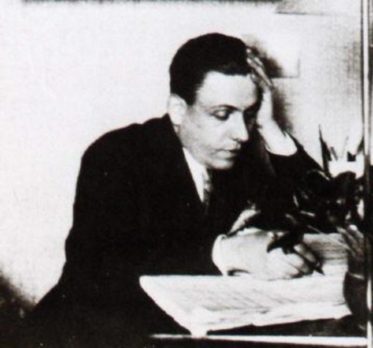 Photograph of Francis Poulenc in 1930.