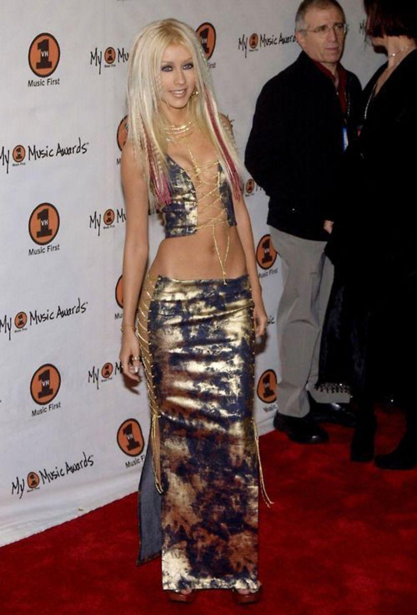 The singer attending the 2000 My VH1 Music Awards.