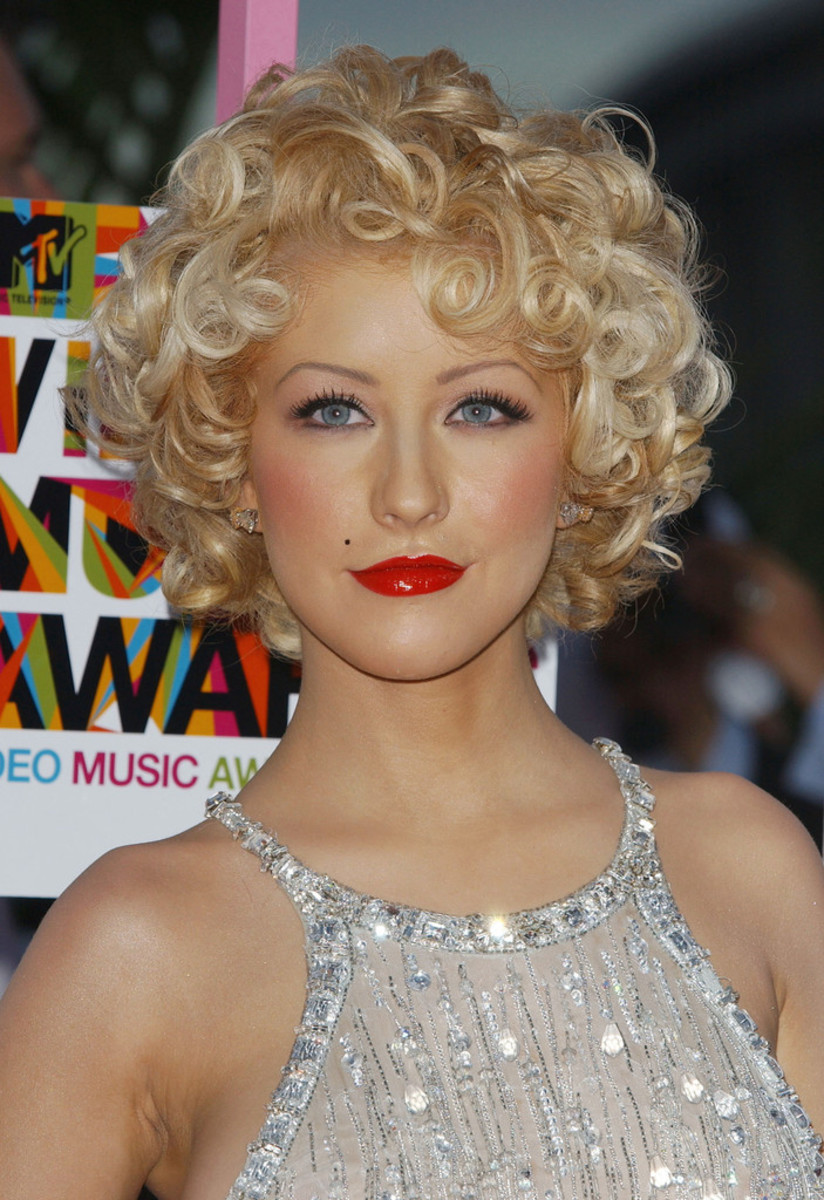 Aguilera at the 2004 MTV Video Music Awards.