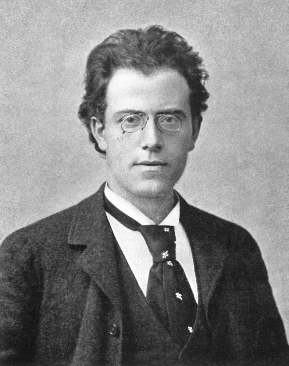 Photograph of Mahler in 1900.