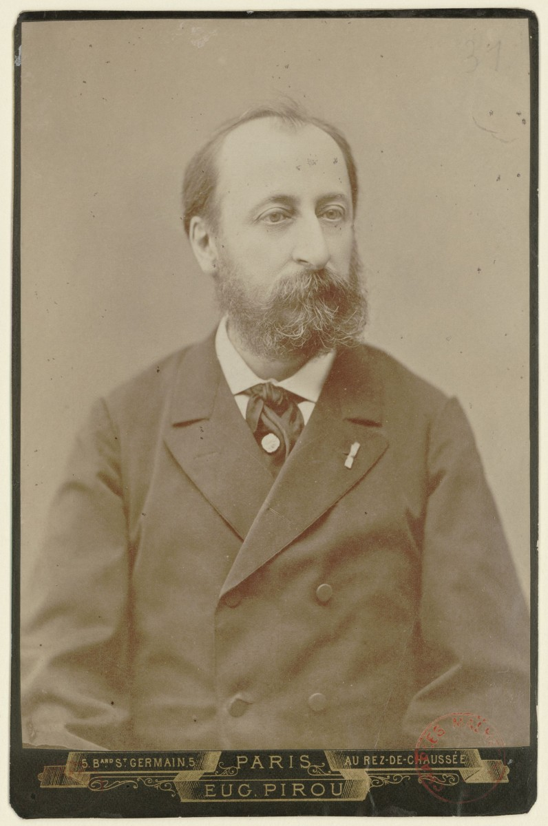 Photograph of Saint-Saëns in 1880.
