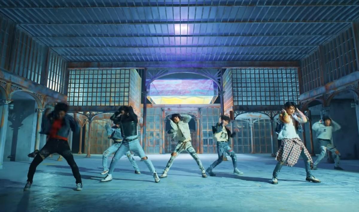 """BTS - """"Fake Love"""""""
